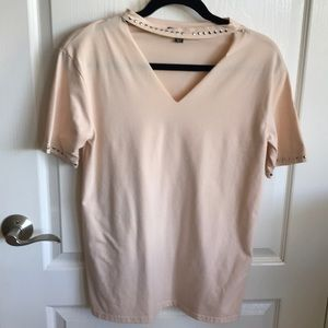 Choker Tee with silver studs in Light Peach
